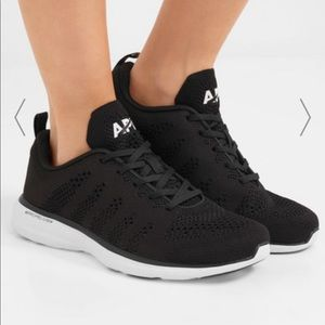 APL techloom pro mesh black sneakers sz 8.5
